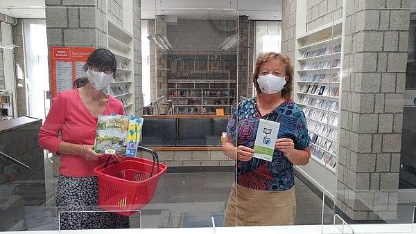 Stadtwerke-Schutzmasken für Bücherei-Besucher