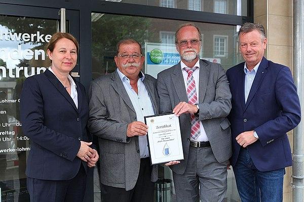 Urkundenübergabe (v.l.n.r.) Uta Synder, Heinz-Gerd-Pahl, Michael Hildebrand, Horst Krybus (Foto: Frank Kremer)