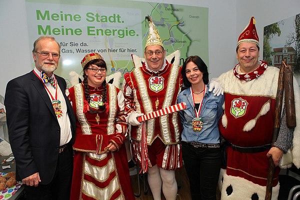 v.l.n.r: Michael Hildebrand, Jungfrau Yvonne, Prinz Peter, Maya Hendricks und Bauer Heribert
